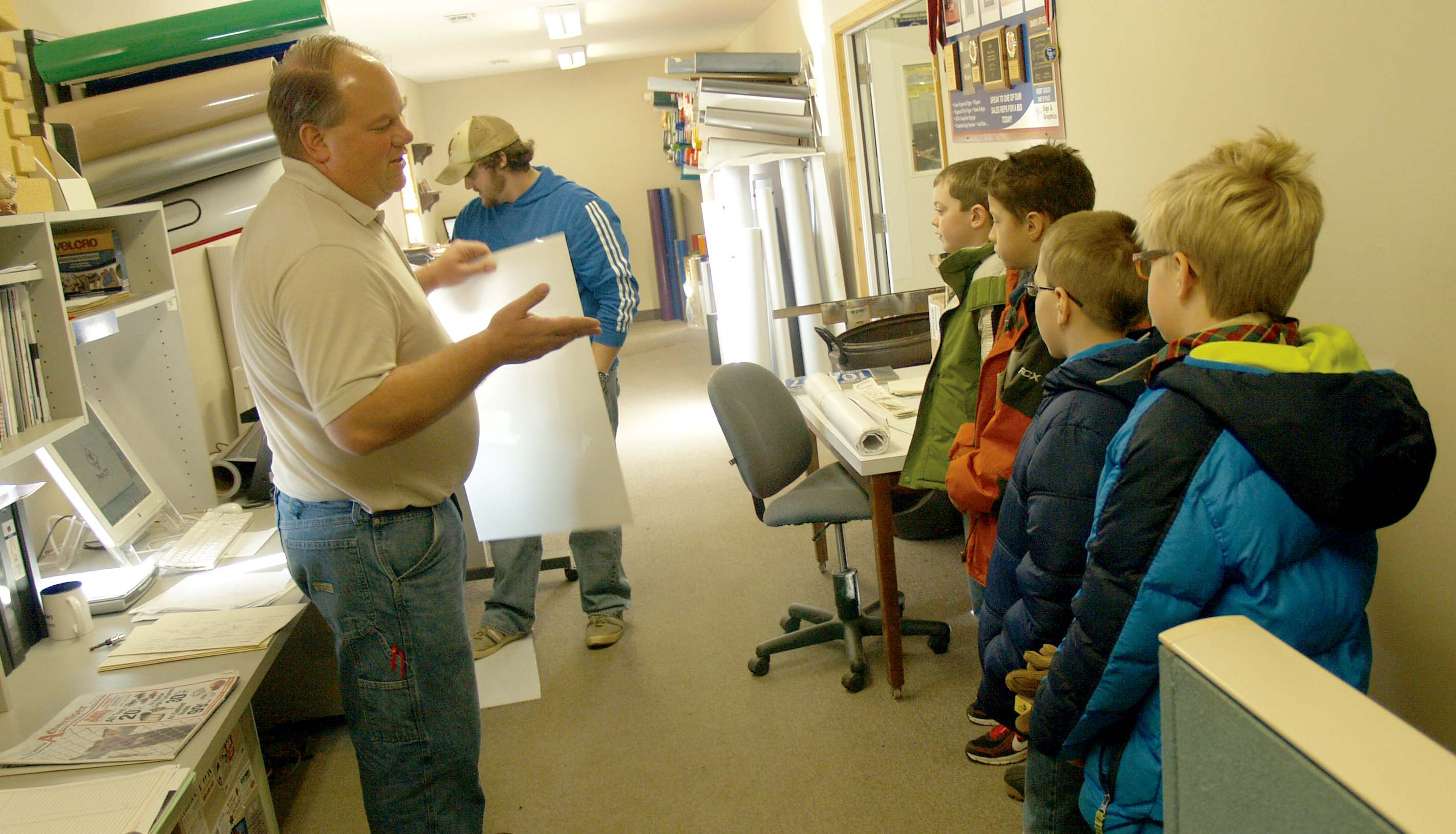Photos Lp Cub Scouts Visit Herald Journal Publishing